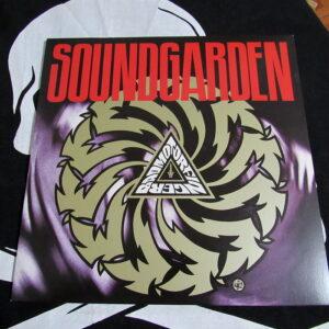 BADMOTORFINGER – Soundgarden