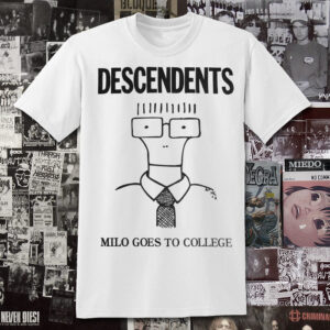 Polera Descendents Milo Goes to College