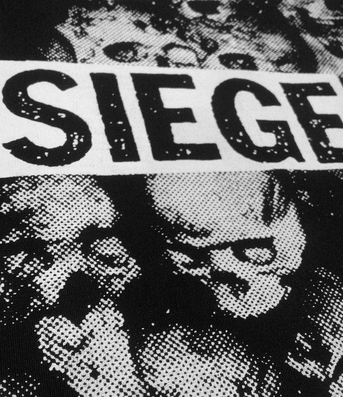 Detalle polera Siege